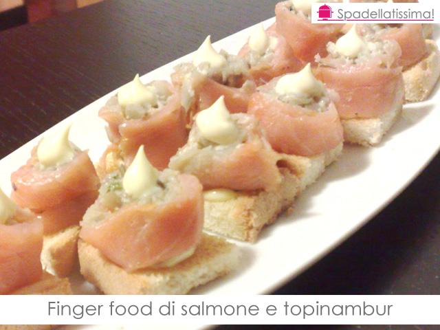 Finger food di salmone e topinambur