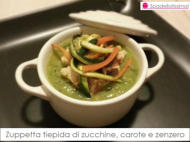 Zuppetta tiepida di zucchine, carote e zenzero