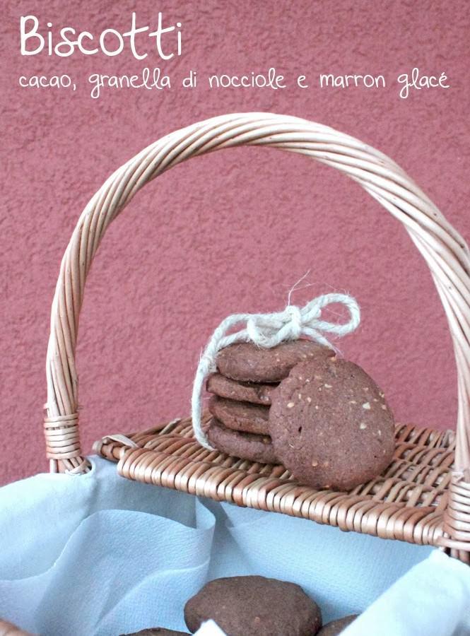 Biscotti al cacao con granella di nocciole e marron glacé