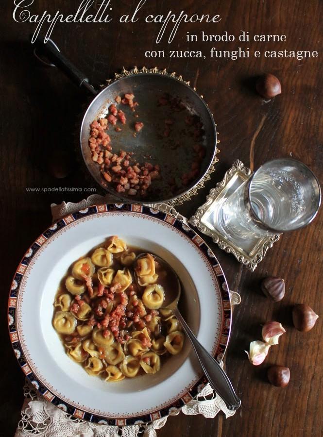 Cappelletti al cappone Lo Scoiattolo in brodo di carne con zucca, funghi e castagne