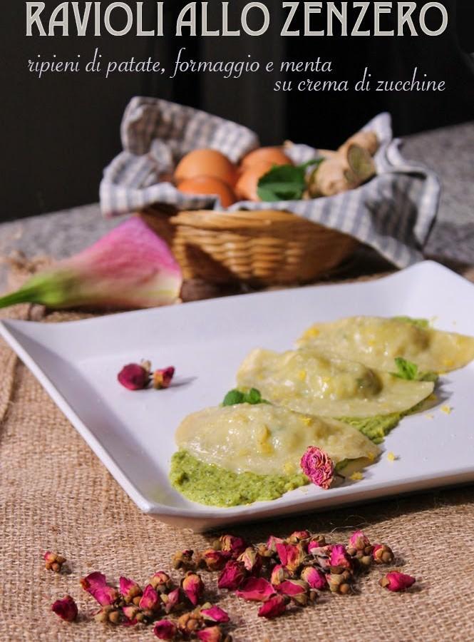 Ravioli allo zenzero ripieni di patate, formaggio e menta su crema di zucchine