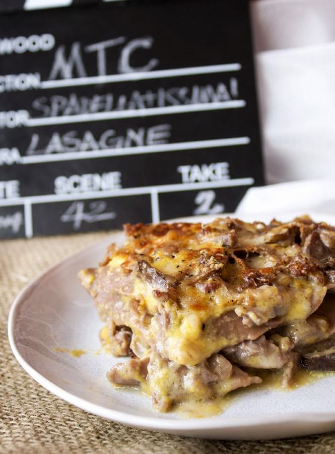 La Lasagna per l'MTC n° 42 – atto secondo (me) – Ovvero lasagne al cacao con besciamella alla zucca e ragù di funghi e salsiccia.